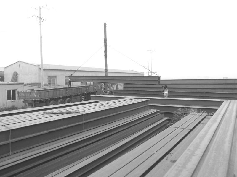 钢铁物流20110815期 第b5版:辽宁市场    一身休闲服,儒雅的举止,你很