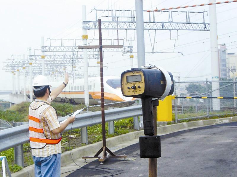 上海至北京区间的飞机出票量较京沪高铁开通前约有40