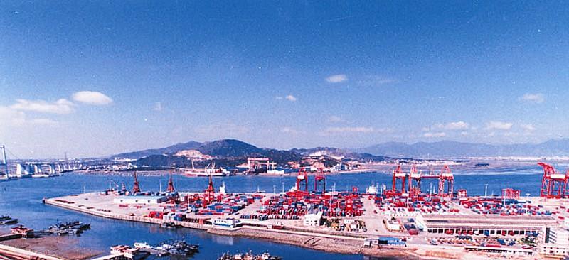 海沧港区:厦门建设国际航运物流中心的关键