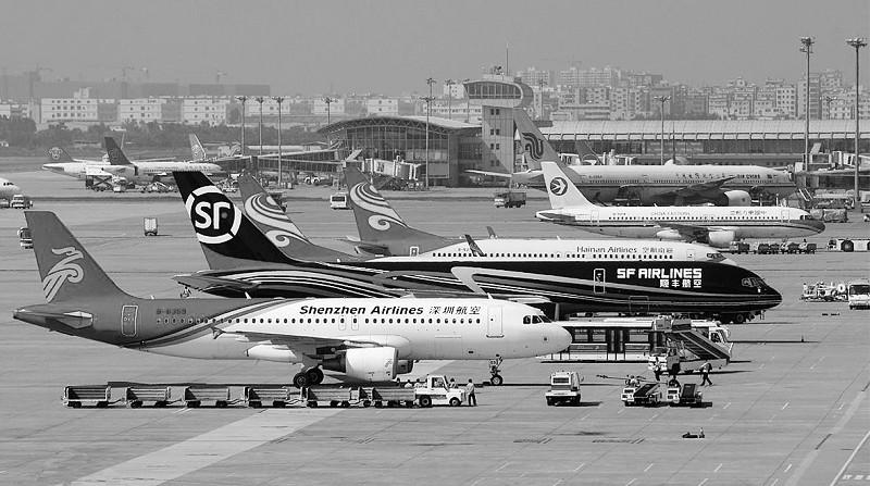 公司的多架货运飞机和运营