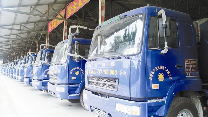 华菱星马30台汉马动力搅拌车顺利交付深圳客户